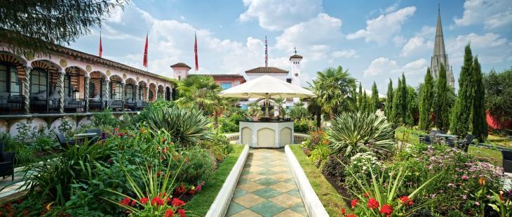 Explore Rooftop Bars And Beer Gardens All Around London