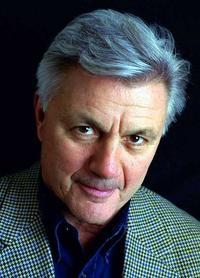 john_irving_narrowweb__200x278.jpg