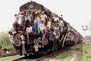 crowded-train.jpg