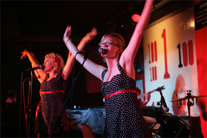 The Pipettes Pull Shapes At The 100 Club (15/11/05)