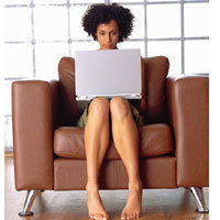 barefoot-girl-laptop-200x200.jpg