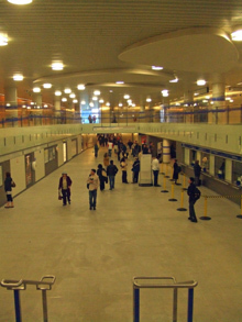 Kings Cross new ticket hall.jpg