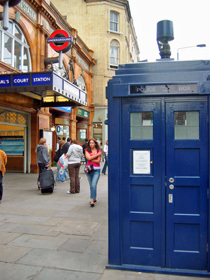 Tardis outside Earls Court 027.jpg