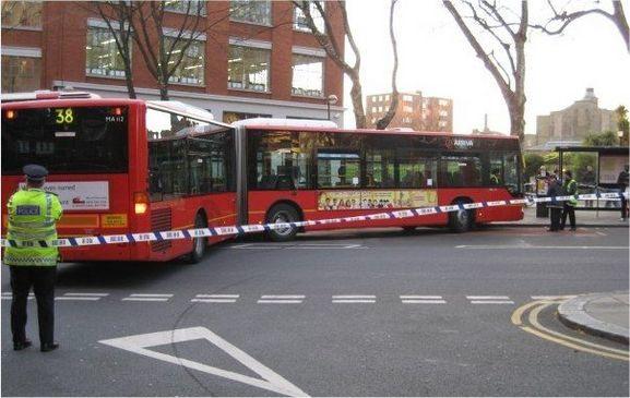 LONDONISTBUS1.jpg