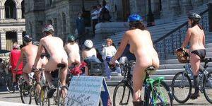 Le Tour 'Tout Nu' Ou Le Tour De France?
