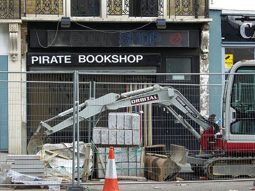 piratebookshop.jpg