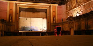 Spooky Comedy In An Abandoned Theatre - What's Not To Like?