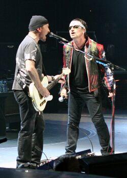 U2 Play Mini Mencap Gig