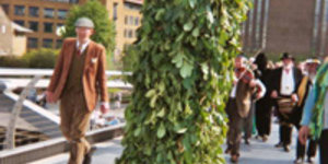 Giant Hedge To Creep Around South Bank