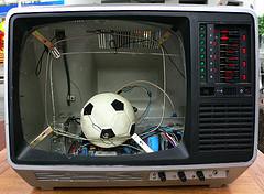 FootTV01.jpg