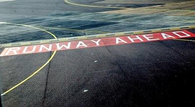 runwayahead310508.jpg