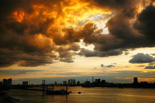 Woolwich_Fire_Clouds.jpg
