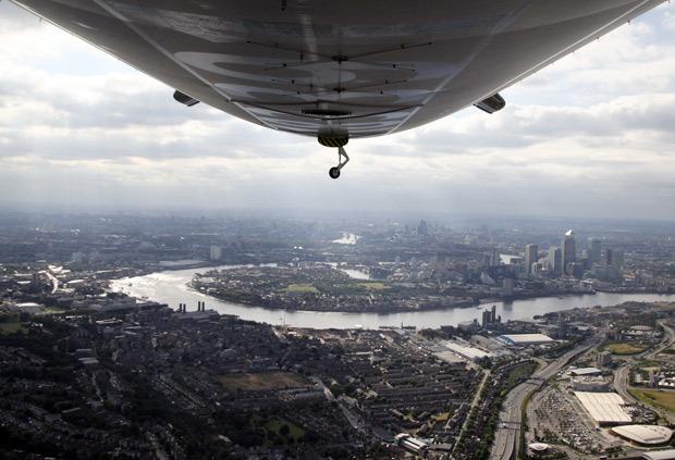 9482_airshipunderside.jpg