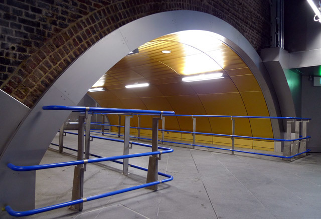 10491_woodlanetunnel2.jpg