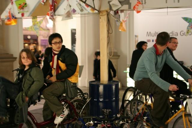 11068_tate0512-biketree.jpg