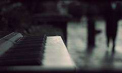 3001.piano.jpg