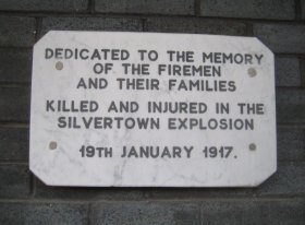 Silvertown explosion plaque