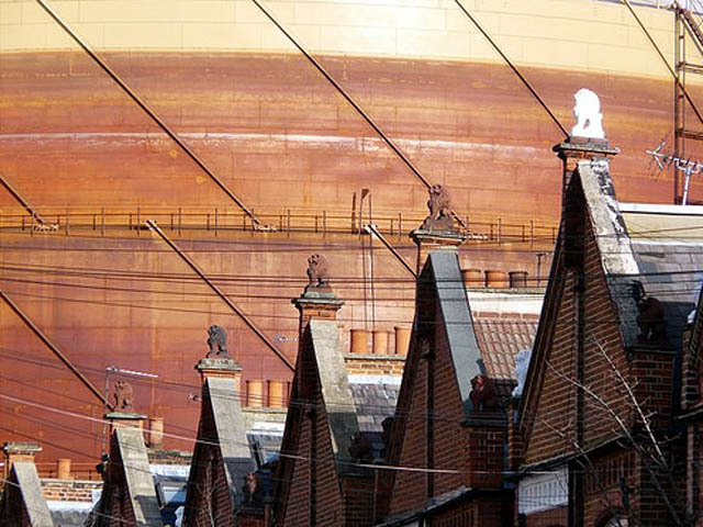 Urban Sightseeing: #1 Gasometers
