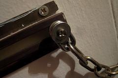 Door_chain_19Feb09.jpg