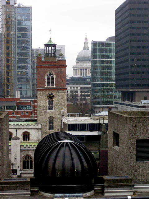 The multi-million pound view from the penthouse balcony. Photo by M@.