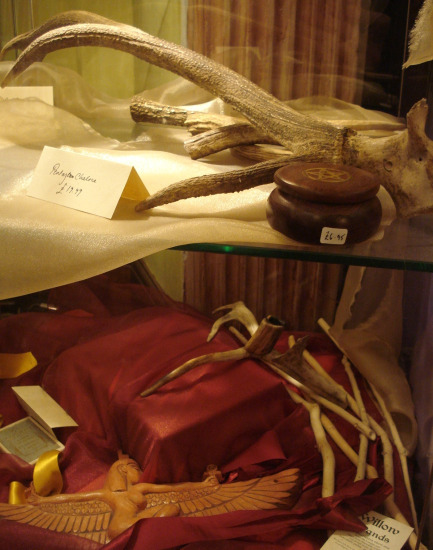 Antlers and other ceremonial aids