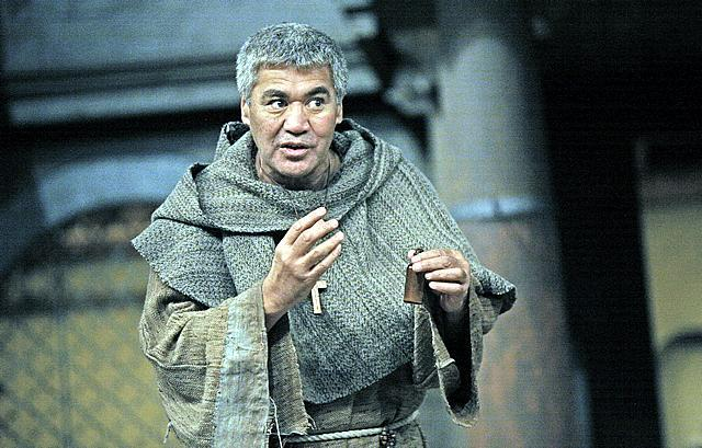 Rawiri Paratene (Friar Lawrence). Image by John Haynes