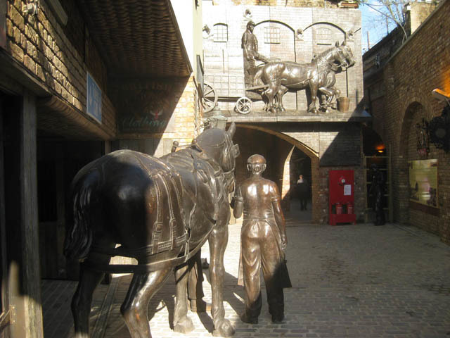 At the south-eastern end of the new passage, horses are set to outnumber goths 8 to 1.