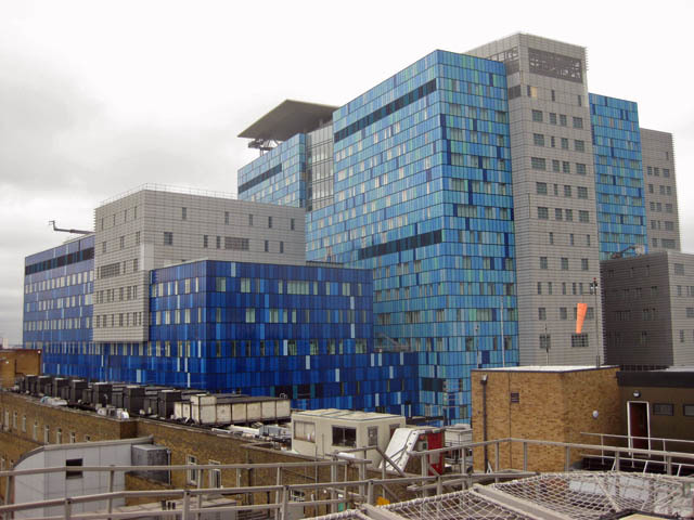 The new extension to the Royal London Hospital. Note the new helipad, which won't come into service for a couple of years.