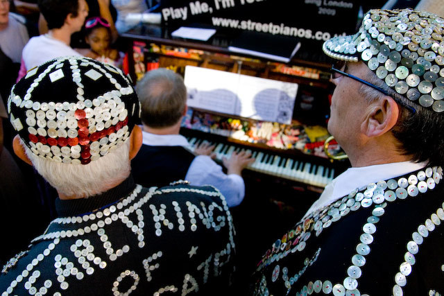 Pearly Kings get their voices ready