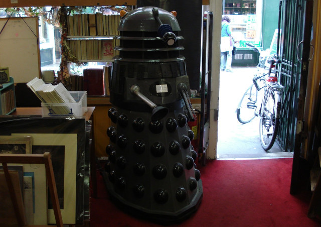 Marchpane: OMFG! It's a Jon Pertwee-era Dalek! (We're reliably informed it's signed by Catherine Tate)
