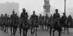 Pathe Stock Footage Of Black And White London (Part 1)