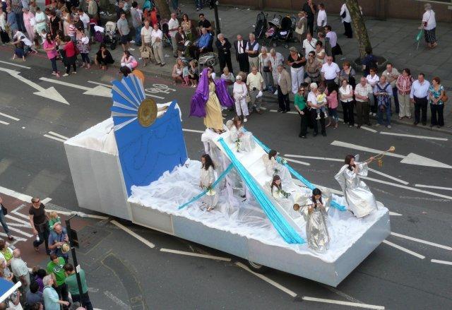 13595_italian-parade6.jpg