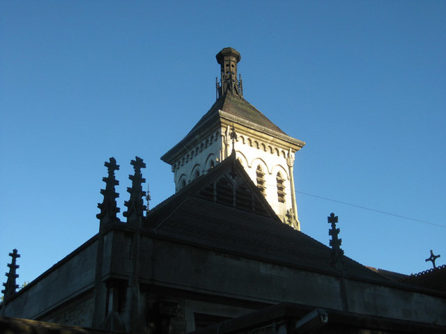 The roof of the old crematorium. Many of the cemeteries buildings are designed in neo-Gothic, which contrasts with the modern crematorium.