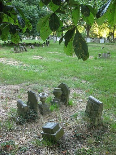 Victorian pauper graves at the eastern edge of the cemetery.