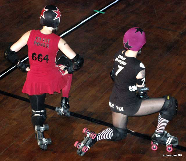 The jammers get on their marks
