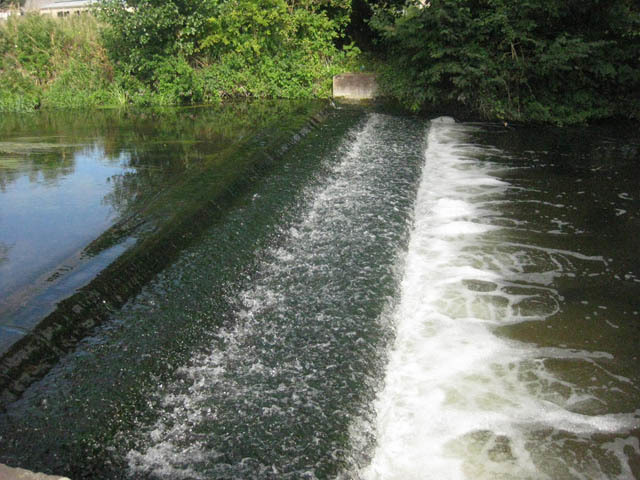 An attractive weir on the River Colne.