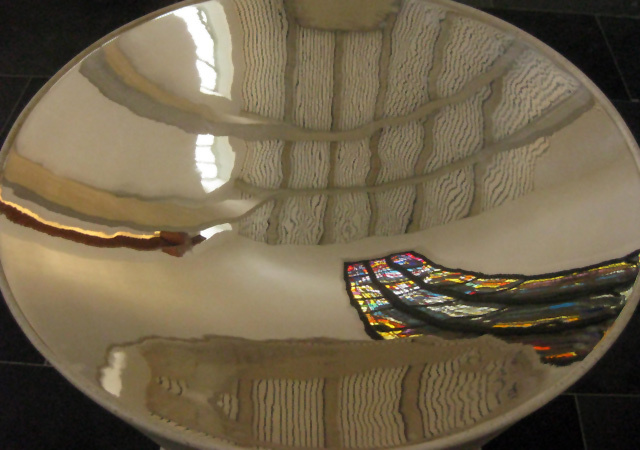 Font reflection, United Reform Church, by M@