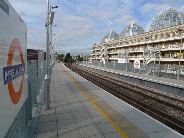 14616_imperialwharf_platform.jpg