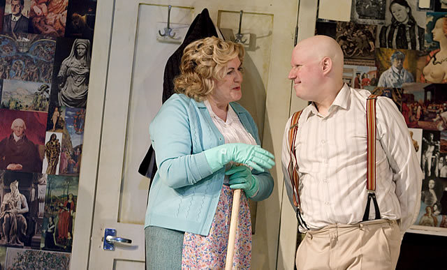 Gwen Taylor (Mrs Corden) and Matt Lucas (Kenneth Halliwell) in Prick Up Your Ears Photo by Catherine Ashmore