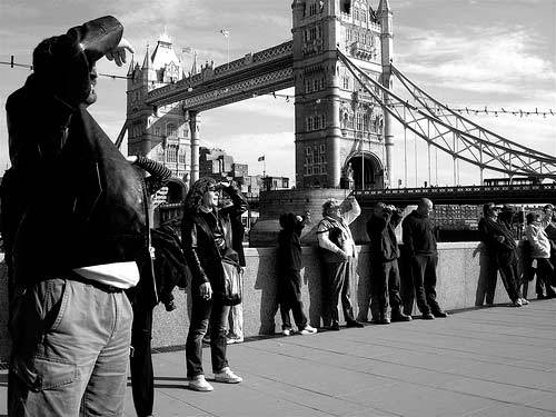 Watching David Blaine, Tower Bridge. Sometimes watching the watchers watch the watched is better than looking at what you are meant to be watching
