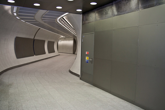 Tunnel leading to Northern Line platforms