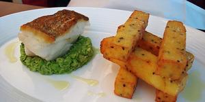 Shoot and Eat: Gordon Ramsay Plane Food