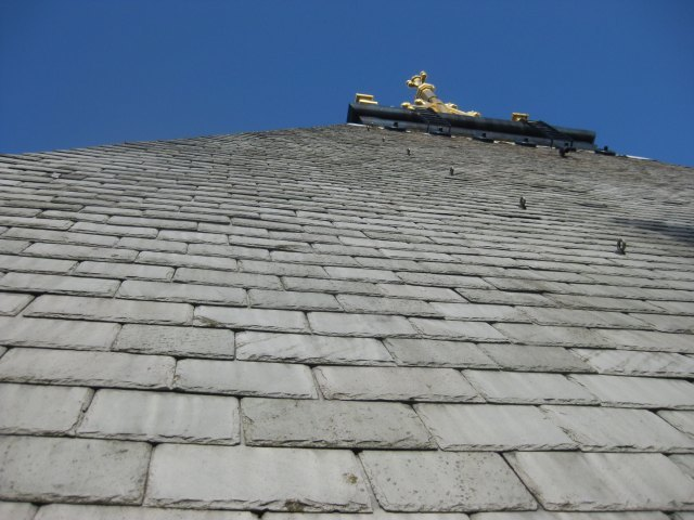 Closeup of the roof tiles on the northern tower.