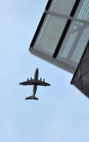 plane_overhead_01032010.jpg