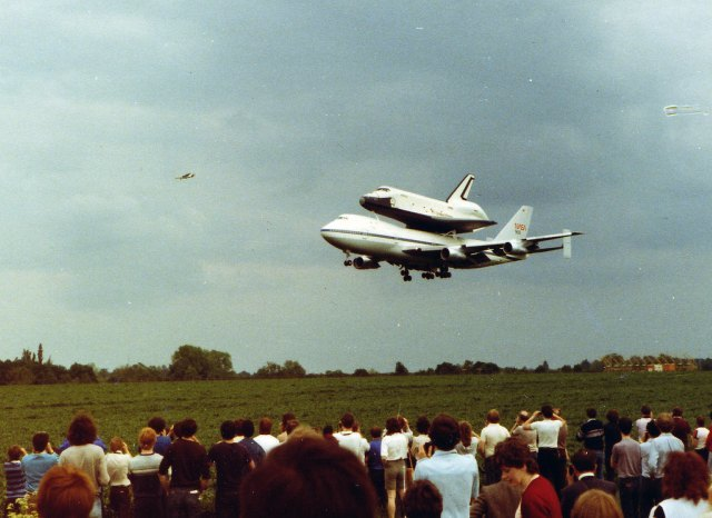 Enterprise coming in to land. Image by Suggs and used with permission.