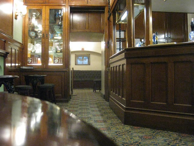Alternative Pub Crawls: The Houses Of Parliament