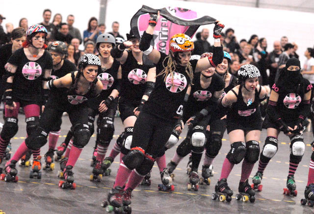 London Rollergirls pre match parade
