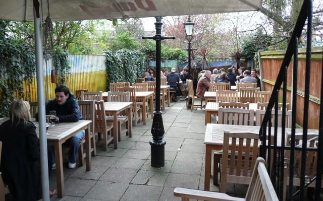 16887_greenwich_union_beer_garden.jpg