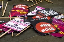 bnp_placards_050510.jpg