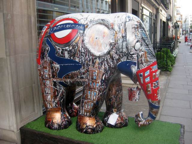 Perhaps the most Londony elephant can be found in Bruton Street Mayfair, just across the road from where the queen was born.